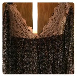 Paisley print crochet lace blouse sz m